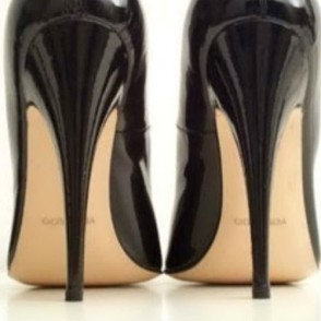lo so per una donna i tacchi sono spesso un accessorio di bellezza
